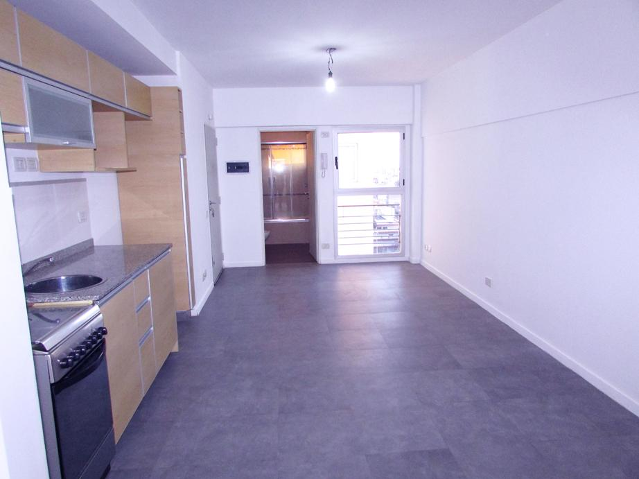 1amb 1 2 parrilla pileta av san juan 1400 capital for Pisos para living comedor