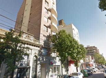 Ov. Lagos 1000: Impecable Semipiso (7 Mo) con Patio, 2 Dorm.