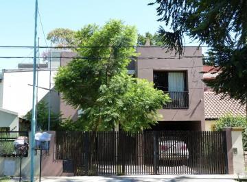Casa con Piscina en La Mejor Cuadra del Barrio! 3 Dorm..