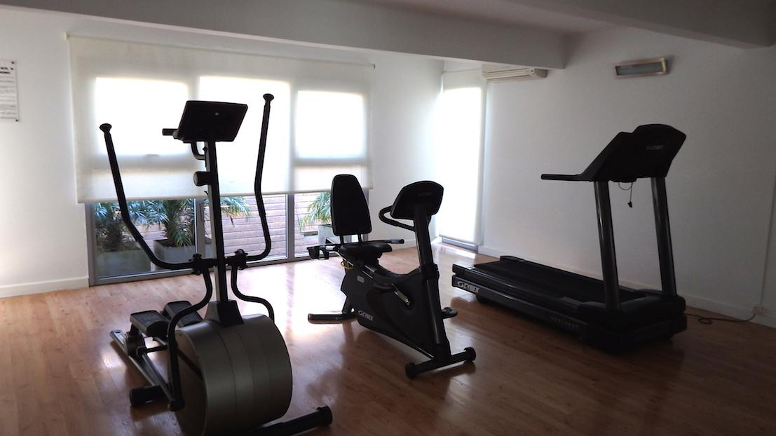 Loft de 75 m piscina sum y gym amenities edificio young for Gimnasio yong