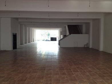 Local comercial · 2000m2 · 30 Cocheras