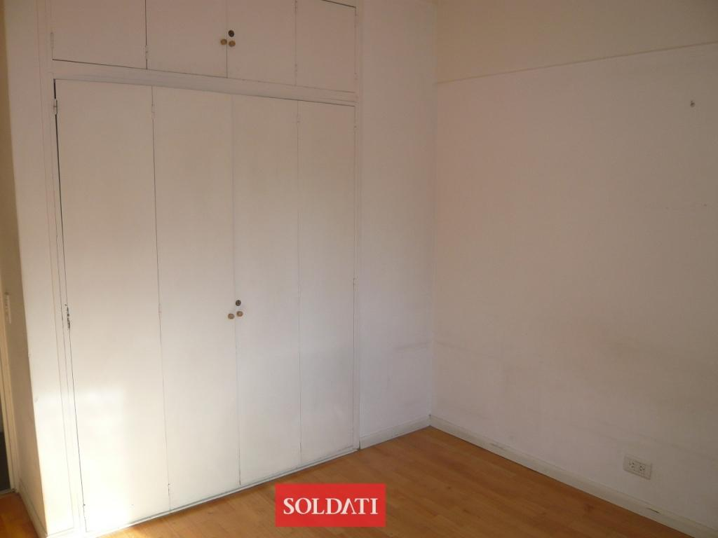 Reservado soler 3700 hermoso 3 ambientes reciclado for Placard reciclado