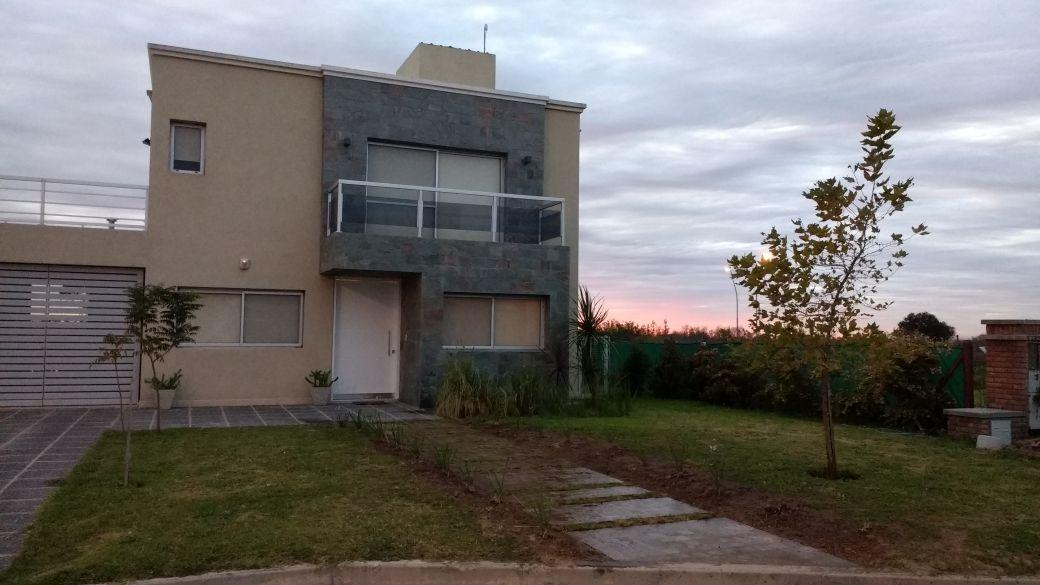 Se Vende Casa en Country El Remanso