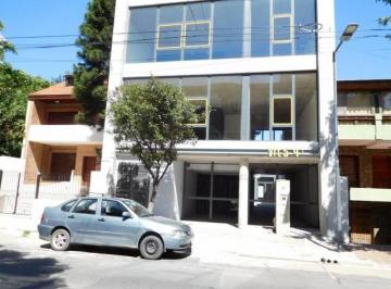 Local comercial · 220m² · 4 Cocheras