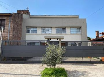 PH · 180m² · 4 Ambientes · 2 Cocheras
