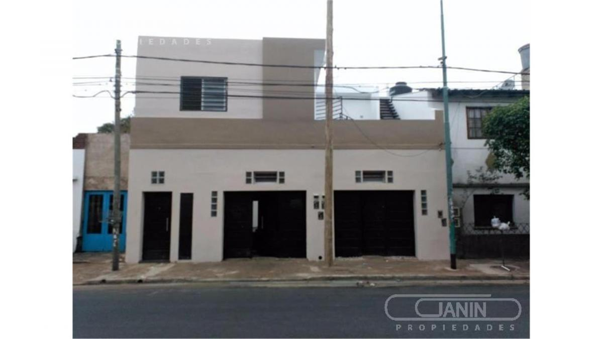 PH · 240m² · 9 Ambientes · 2 Cocheras