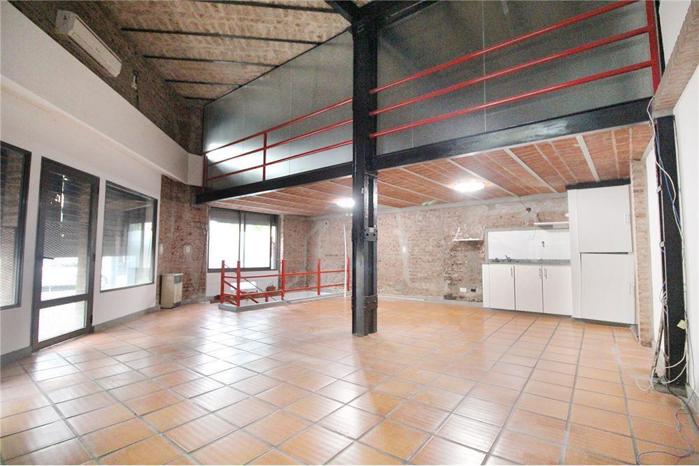 Local comercial · 408m² · 2 Cocheras