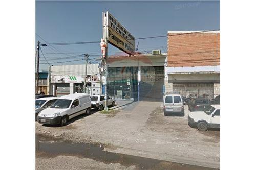 Local comercial · 2m² · 1 Cochera